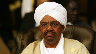Photo of Sudanese security forces arrest prominent party leaders