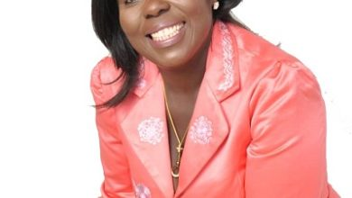 Photo of Osofobaa Gloria hits back with 'Ebere no nie'