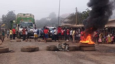 Photo of Tarkwa–Nsuaem residents demo over deplorable road