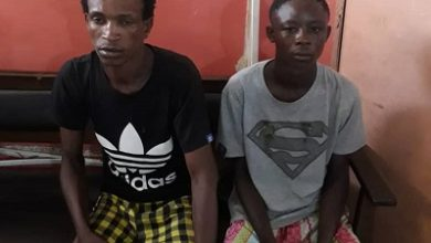 Photo of 2 arrested for robbing cabbie