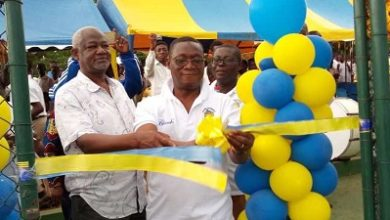 Photo of Accra Aca '82 Old Boys donates basketball, tennis court to school