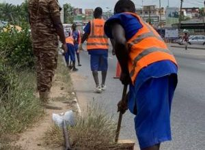 Photo of Prison inmates engaged to clean up Accra