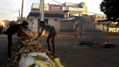 Photo of Sudan talks stall over protest roadblocks