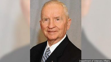 Photo of US tycoon, ex-politician dies at 89