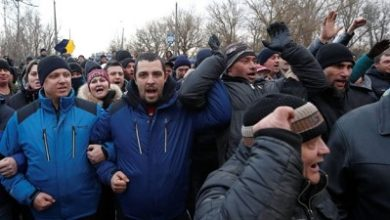 Photo of Protesters attack bus of China evacuees in Ukraine