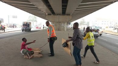 Photo of AMA clears streets of 'mad' people … prevents  junkies, beggars from sleeping under Kwame Nkrumah Interchange