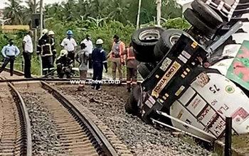Photo of Locomotive engine crashes into GOIL fuel tanker at Takoradi