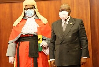 Photo of Pres swears in Mensah-Bonsu, Kulendi as Supreme Court judges