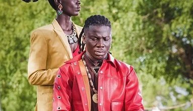 "Photo of Shooting ""Le Gba Gbe"" video in my hometown fulfilling – Stonebwoy"