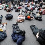 Further widespread US protests but violence falls