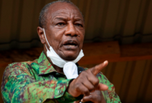 Photo of Guinea president retains election lead as protest turn deadly