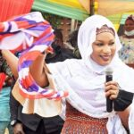 2nd Lady canvases support from Zongo c'nities for NPP