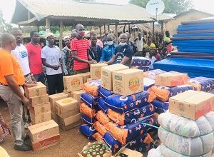 Photo of Stanbic Bank supports flood victims in 11 N/R c'nities