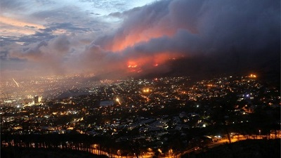 Photo of Residents evacuated as Cape Town fire spreads
